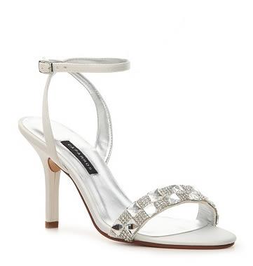sandale albe elegante cu pietricele