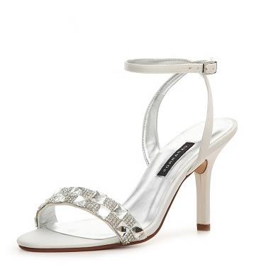 sandale albe elegante cu toc cui