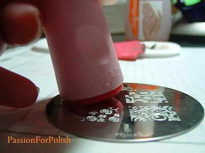 stampila unghii pas 6
